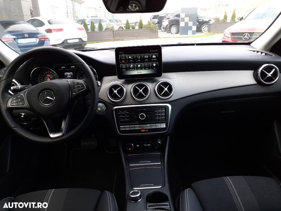 Mercedes-Benz GLA 220 - 16