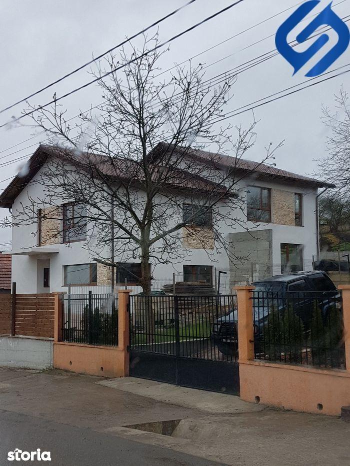 duplex cu 4 camere+terasa- Dezmir