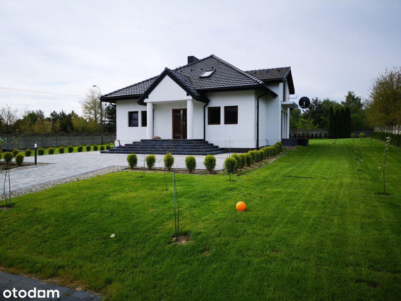 Piękny, nowy dom jednorodzinny, na dużej działce