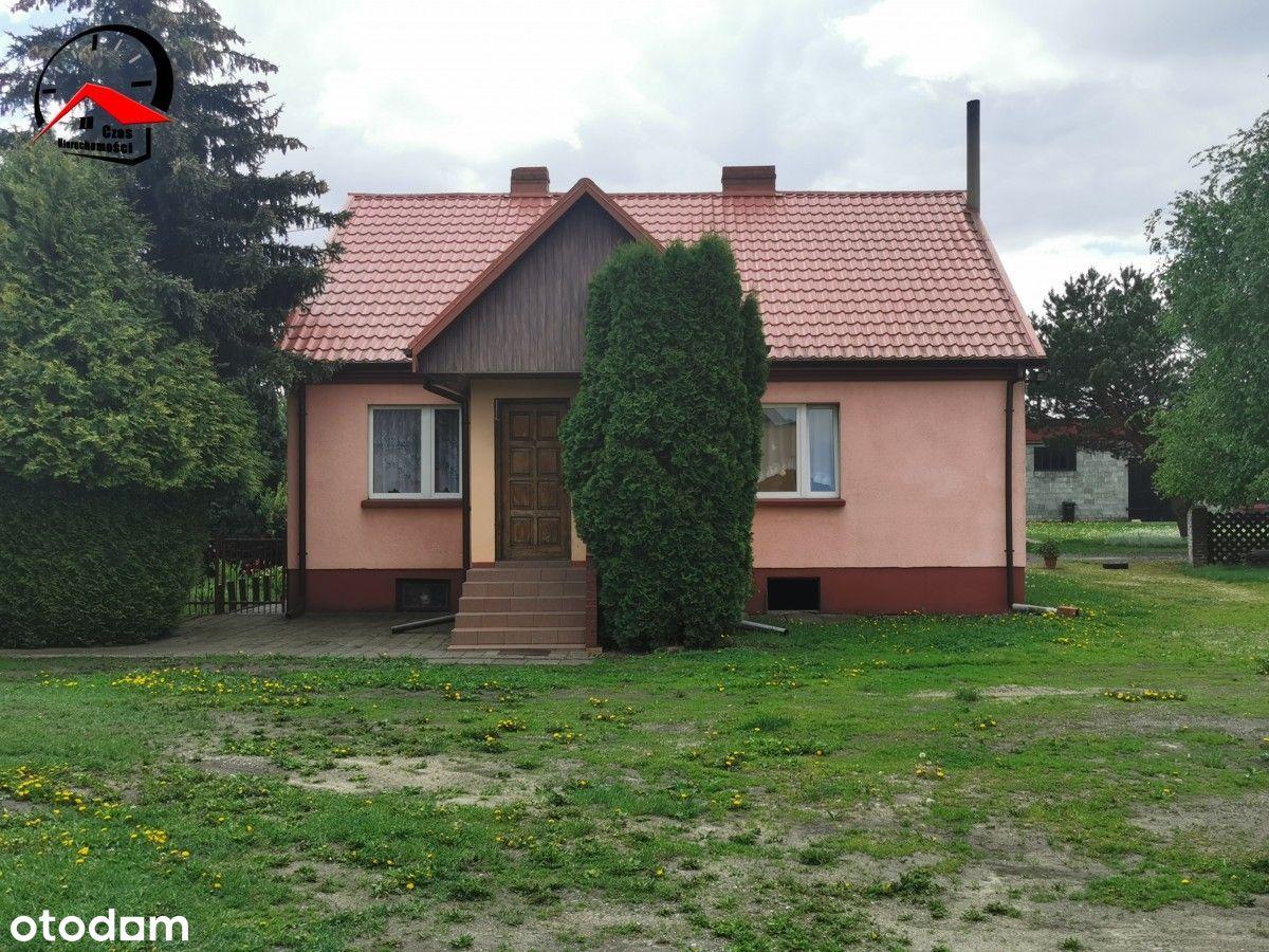 Dom do zamieszkania w cichej okolicy