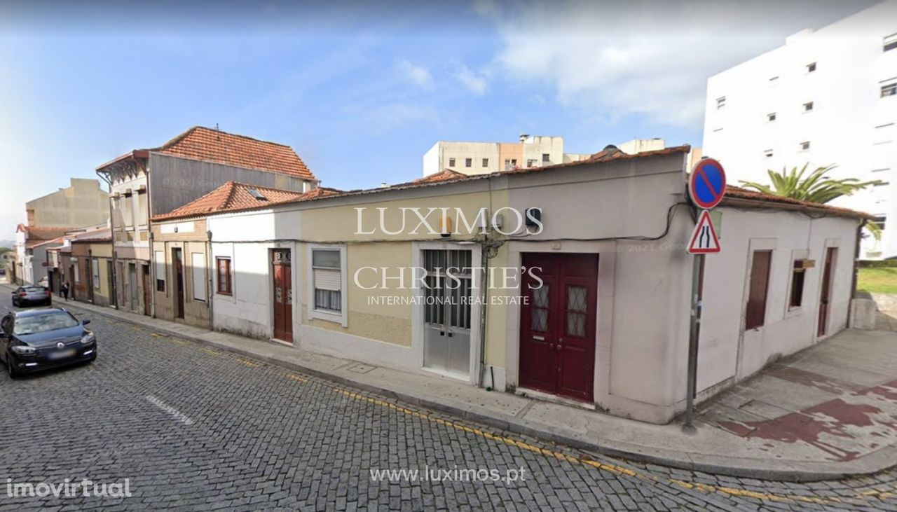 Conjunto de moradias para reconstrução total, Lordelo do Ouro, Porto