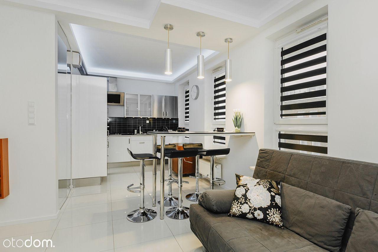 55 m2 z klimatyzacją i miejscem postojowym