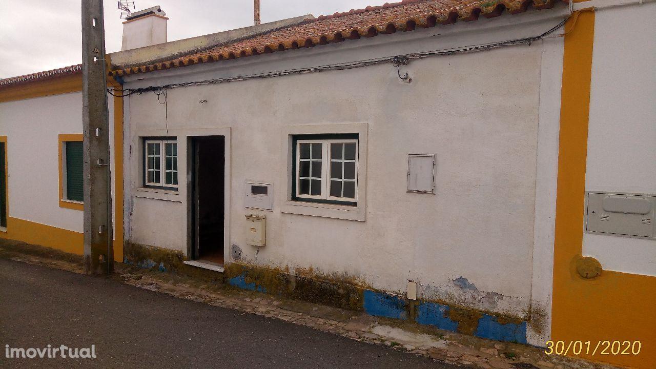 Casa Térrea 3 Assoalhadas em Aguiar (Viana do Alentejo)