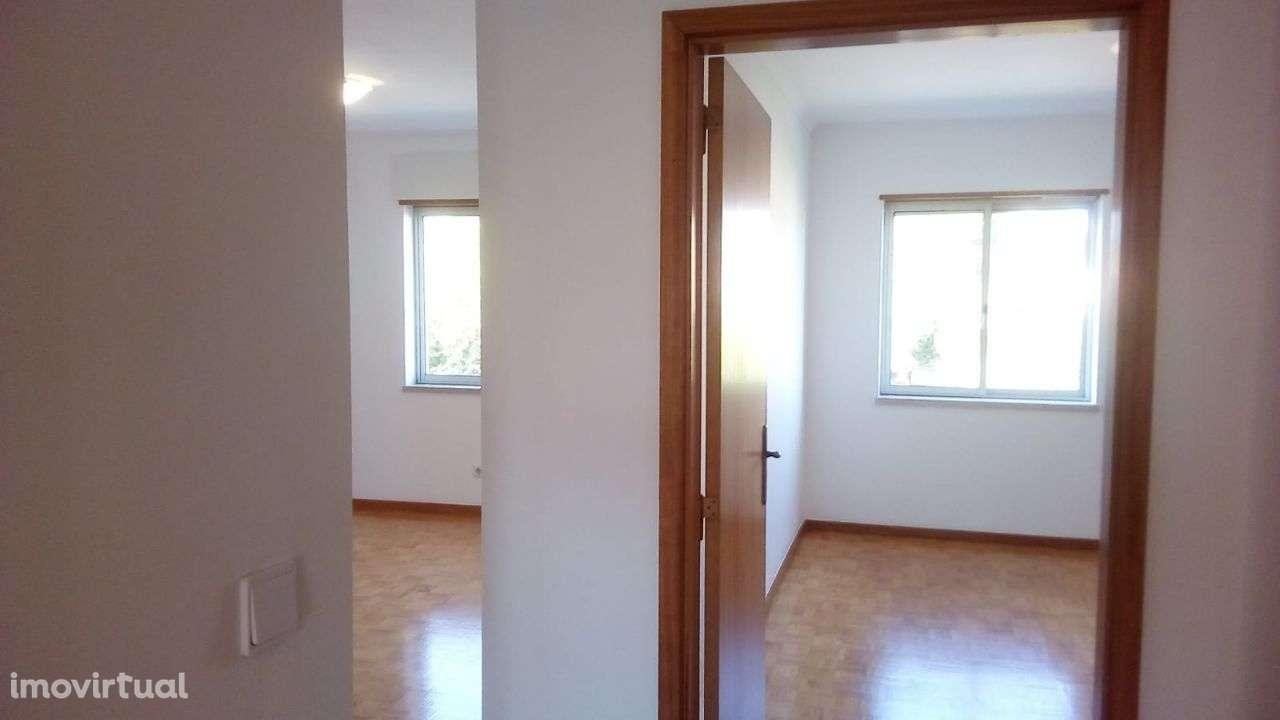 Apartamento para comprar, Rua dos 3 Vales - Alcaniça, Caparica e Trafaria - Foto 1
