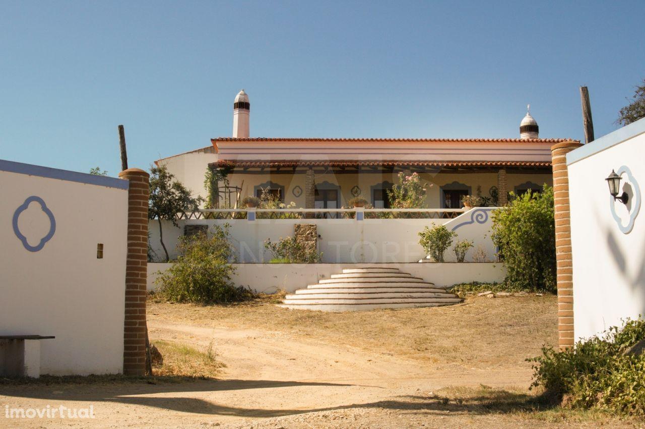 Moradia com terreno em Vila Verde de Ficalho, Serpa, Beja
