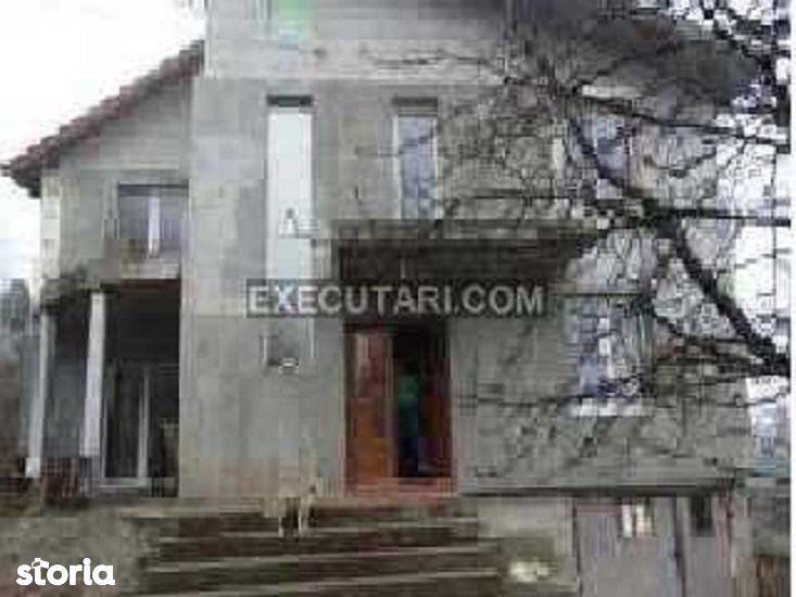 Casa de vacanta P+M - 115 m² + Teren - 2200m²|Licitatie publica