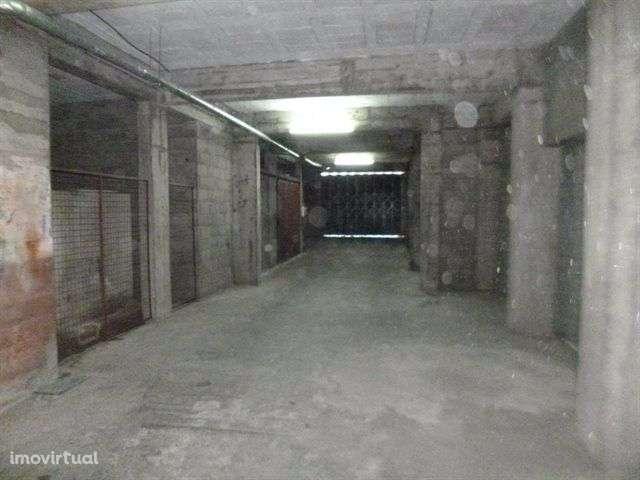 Garagem para comprar, Rendufe, Amares, Braga - Foto 2