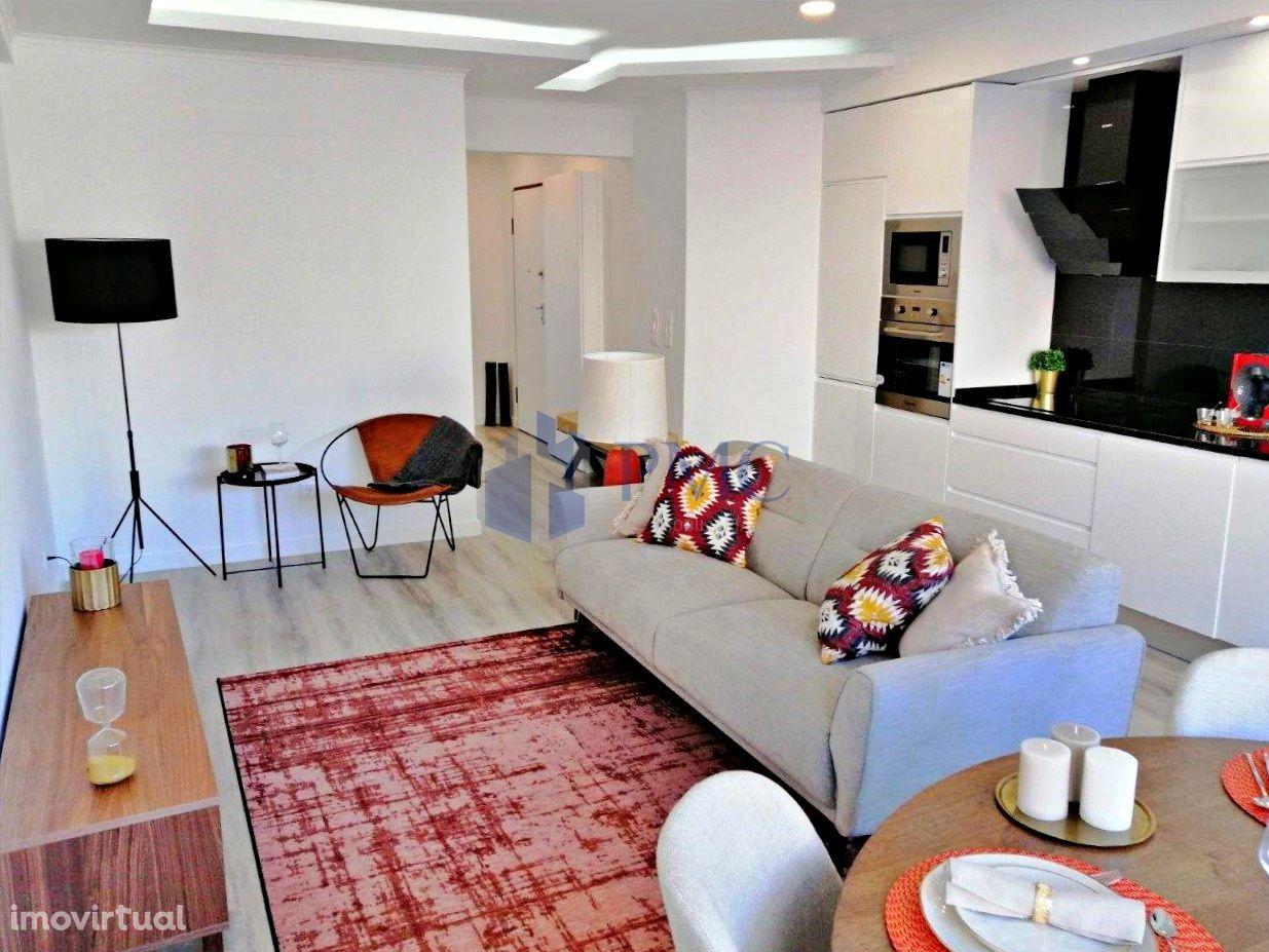 Apartamento T2 remodelado no Campo Grande