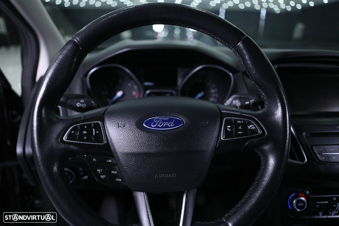 Ford Focus SW - 21