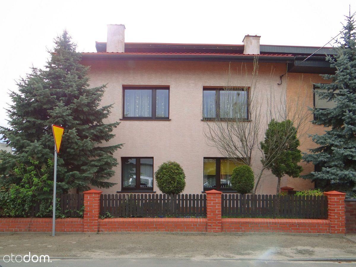 Budynek Mieszkalny W Pleszewie