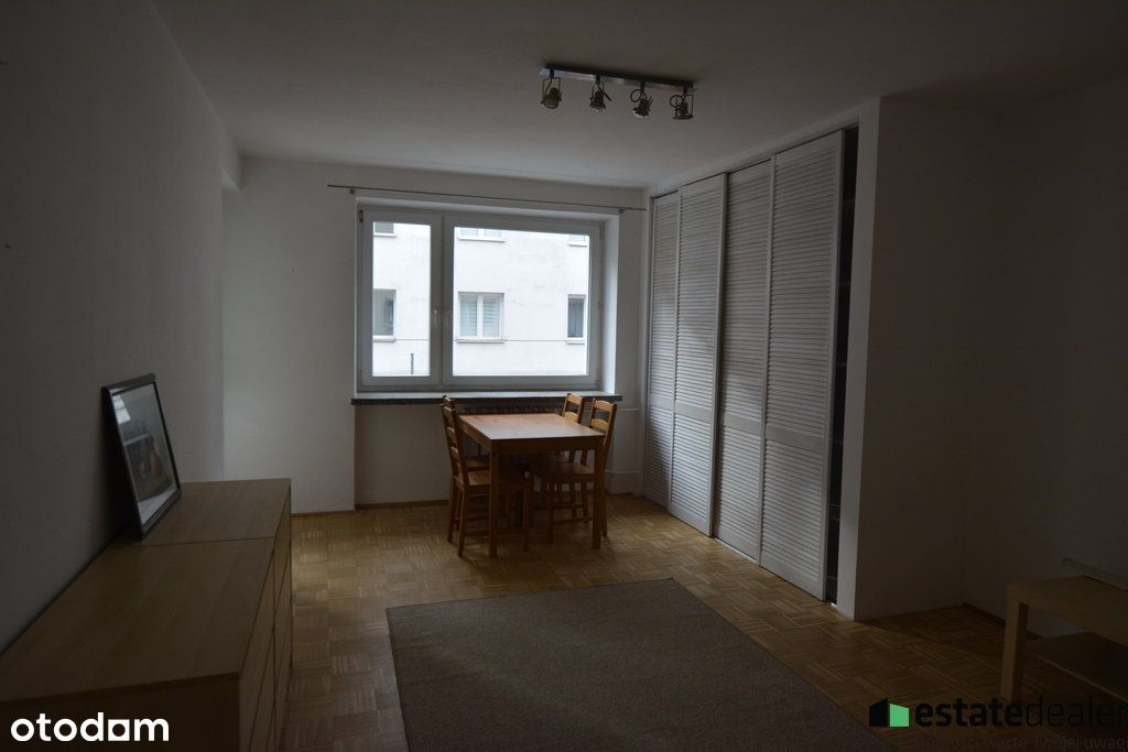 Dwupokojowe atrakcyjne mieszkanie na Pradze!