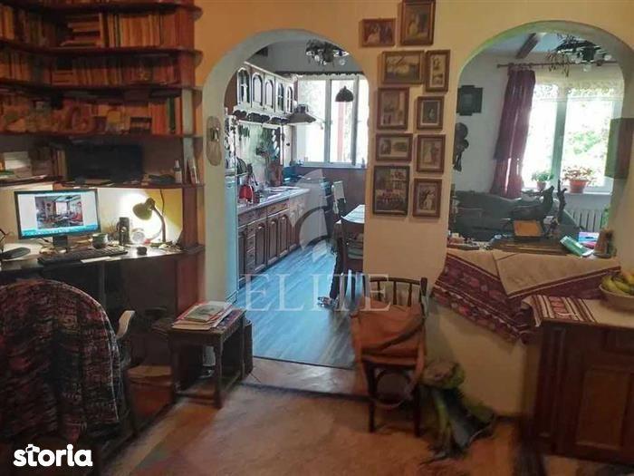 Apartament cu 3 camere in cartierul PLOPILOR
