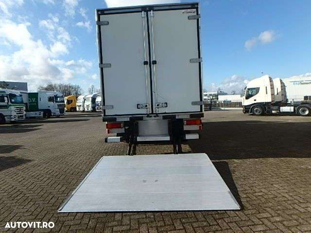 Renault PREMIUM 220 + MANUAL + LIFT - 9