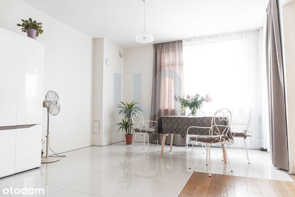 Wygodny dwupoziomowy apartament