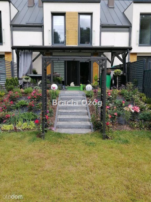 Szeregówka z pięknym ogrodem w doskonałej lokaliza