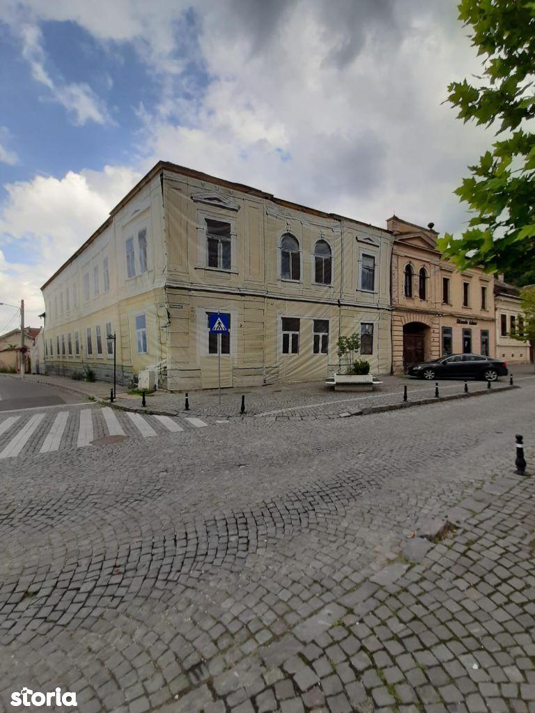 Oportunitate investite in centrul istoric al Rasnovului