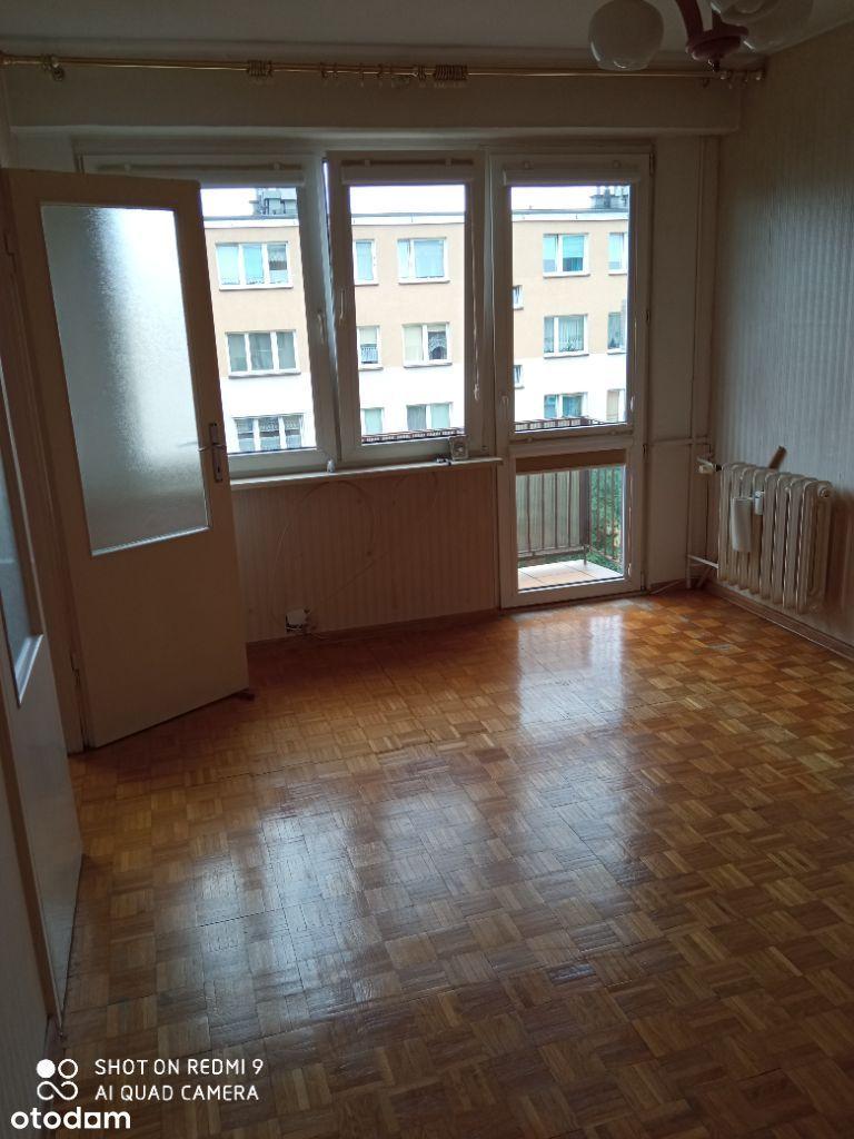Słoneczne cztery pokoje - balkon i osobna kuchnia.