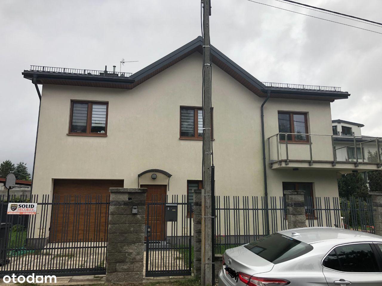 Urządzony nowoczesny dom - Wawer Sadul