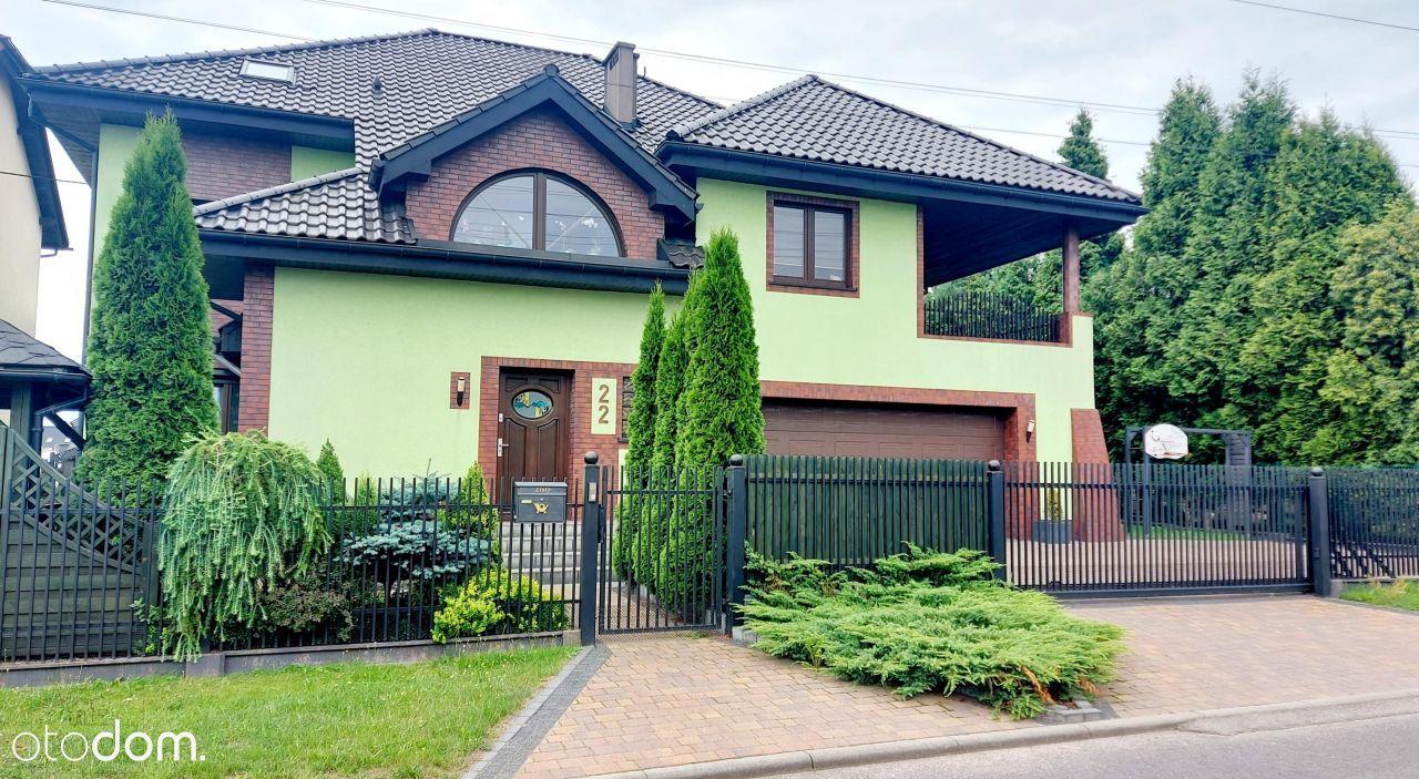 Piękny, dwurodzinny dom w Cielmicach
