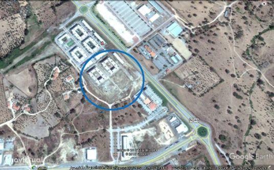 PORTALEGRE - Terreno p/construção já iniciada (Habitação e Comércio)