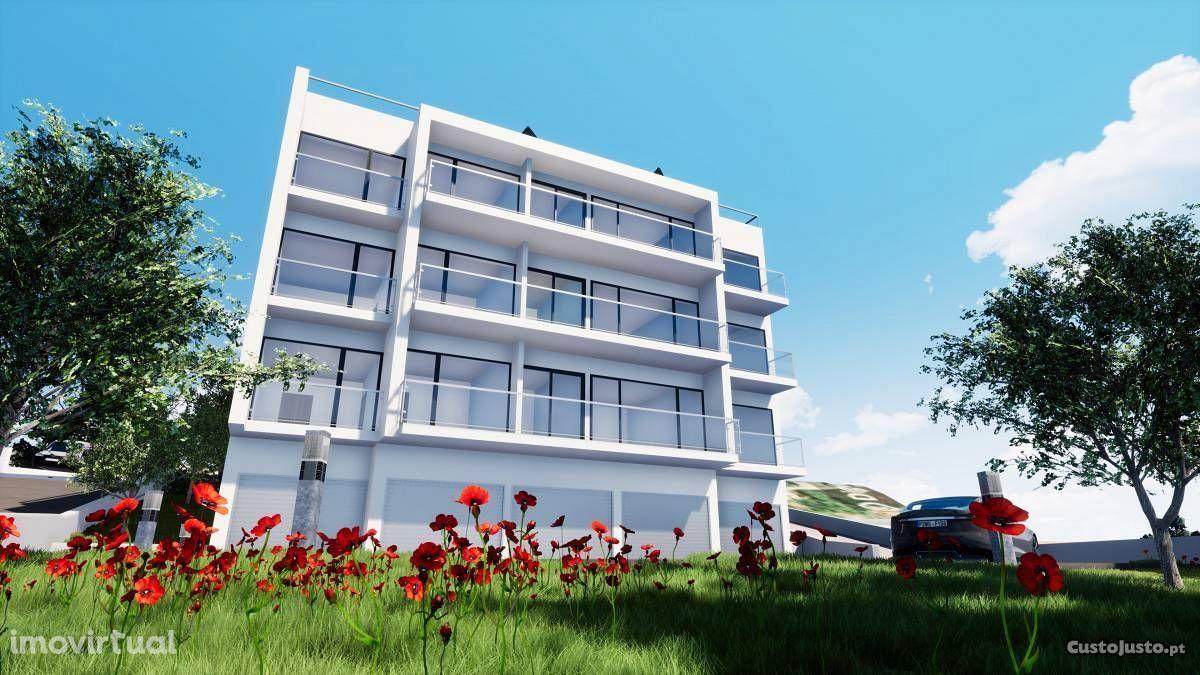 Apartamento T2 com garagem Junto à Av Elísio de Moura