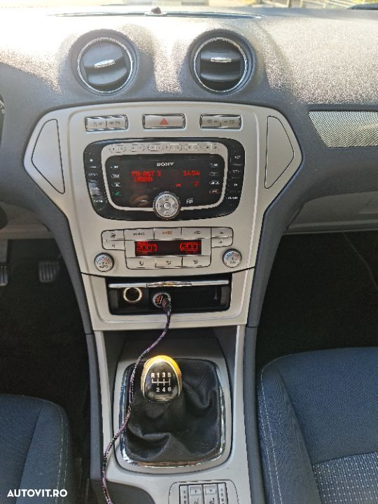 Ford Mondeo 2.0 - 1