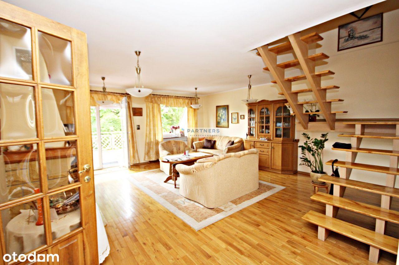 Piękny i przestronny dom w dzielnicy Szczawienko