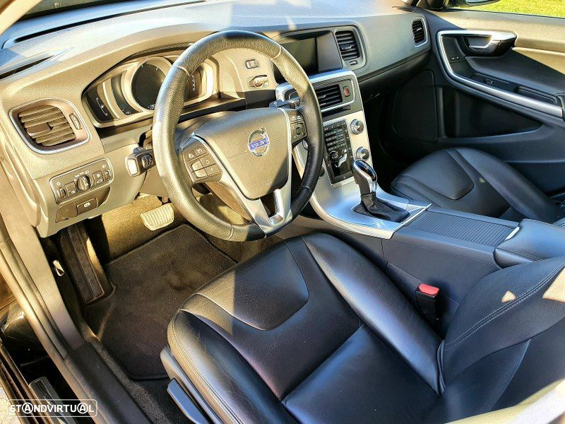 Volvo S60 2.0 D2 Momentum Geartronic - 17