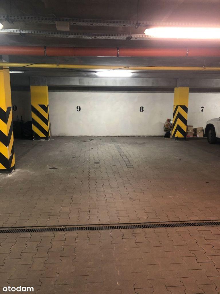 Wynajmę garaż   miejsce postojowe   Powstańców 36D