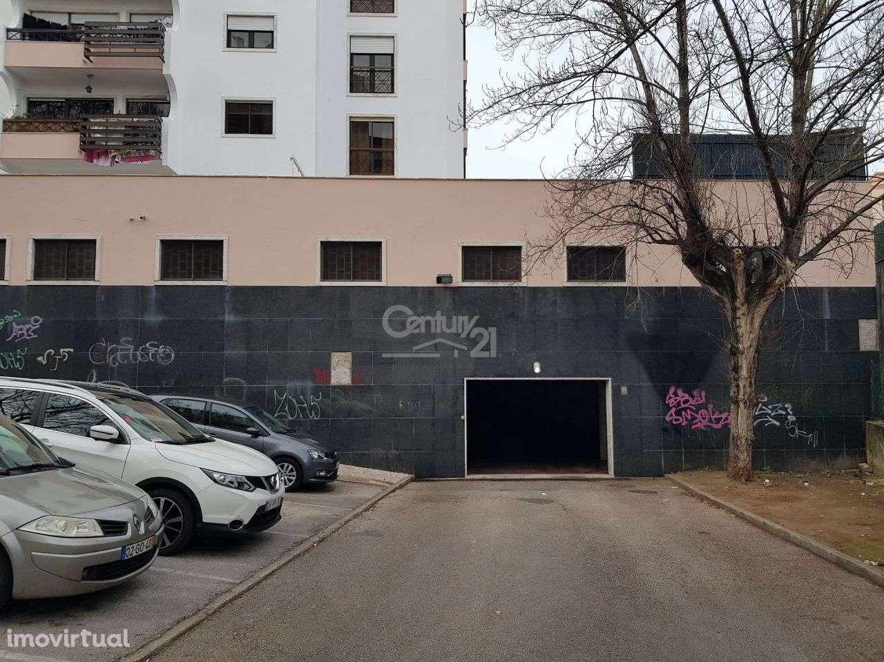 Garagem para comprar, Massamá e Monte Abraão, Lisboa - Foto 1
