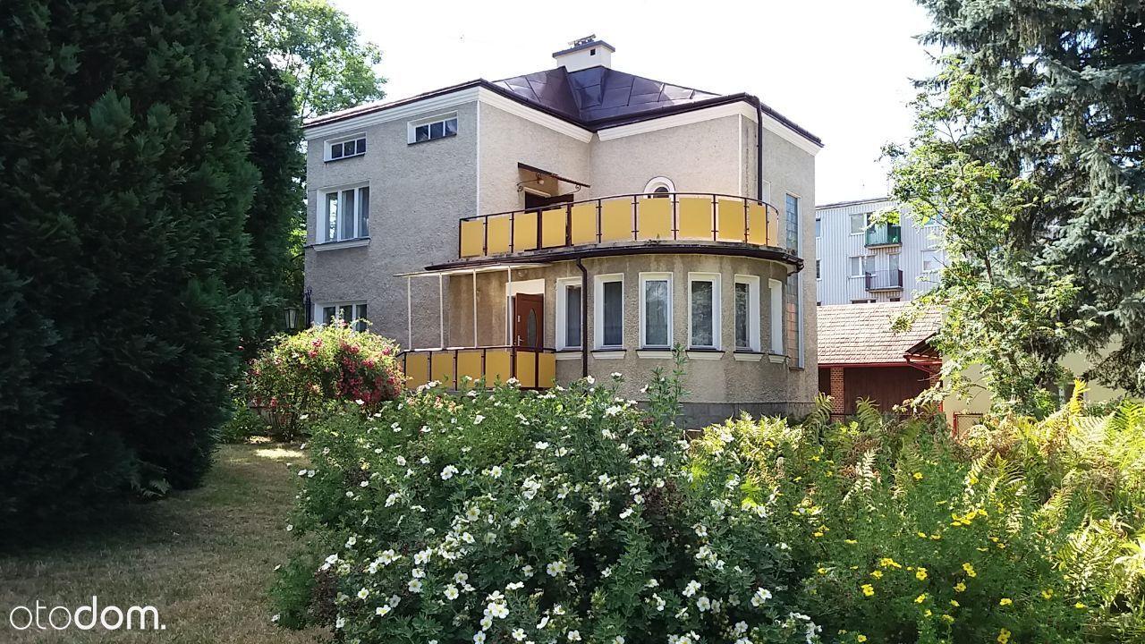 ŁAŃCUT dom na oś MACZKA 20 arów siedziba firmy