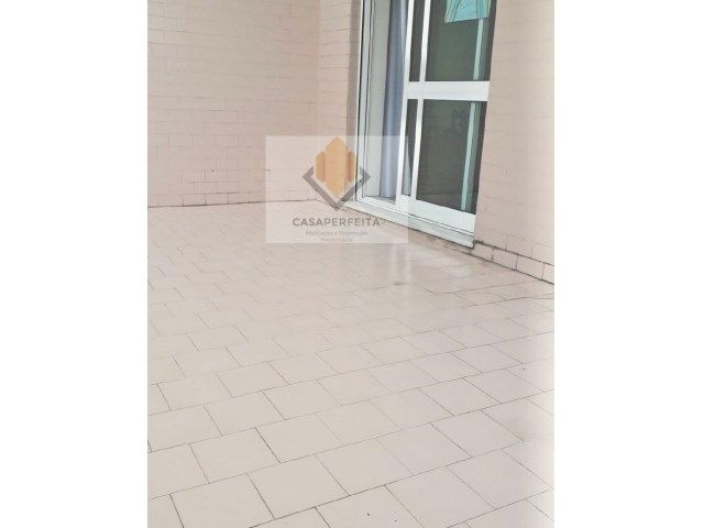 Apartamento T2 com Terraço, Varanda e Box - Fânzeres - Rio Tinto
