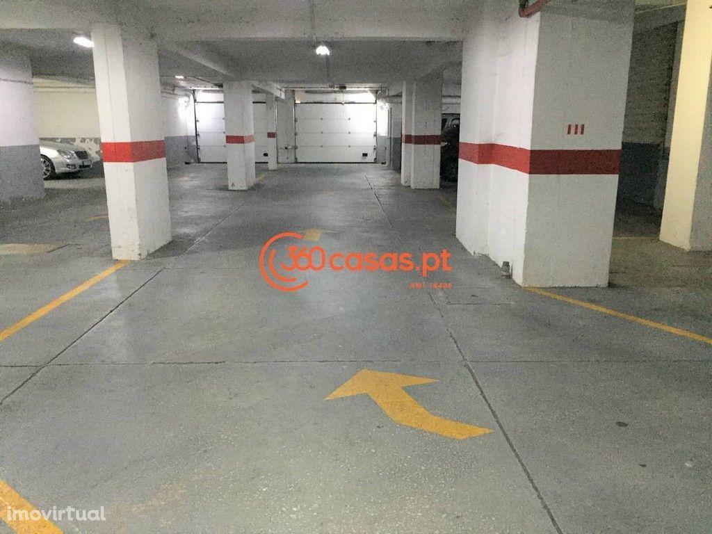 Lugar de estacionamento no Edifício Riamar, Faro