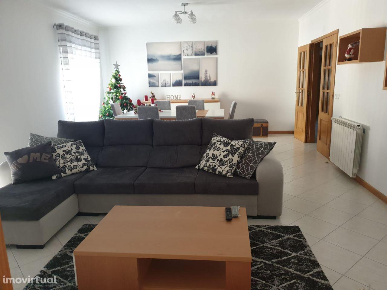 Apartamento T4 + 1