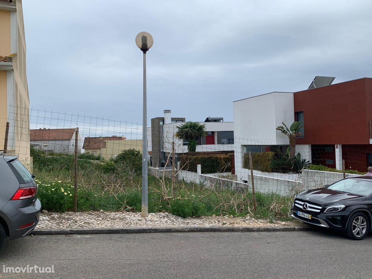 Venda de Terreno de em zona de Moradias, Carcavelos, Parede