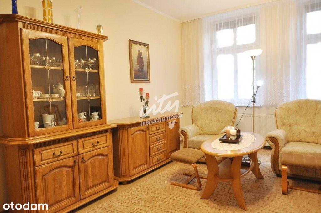 Ładne 3 pokojowe mieszkanie z dużą kuchnią !