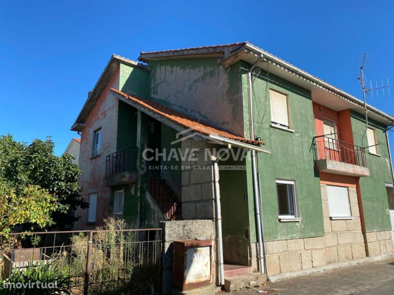 JD - Andar Moradia 1º andar T3 para venda ao centro de Bragança.