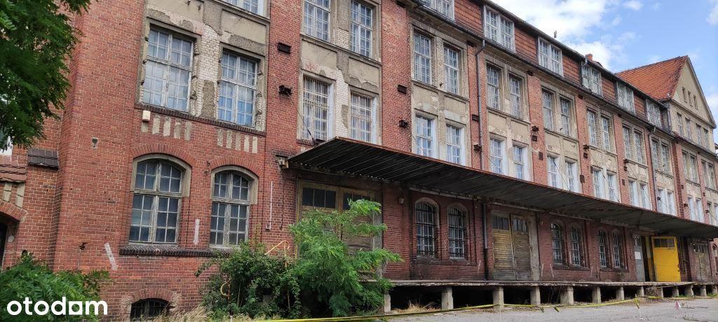 Interesujący budynek 4439m² działka 4514m²