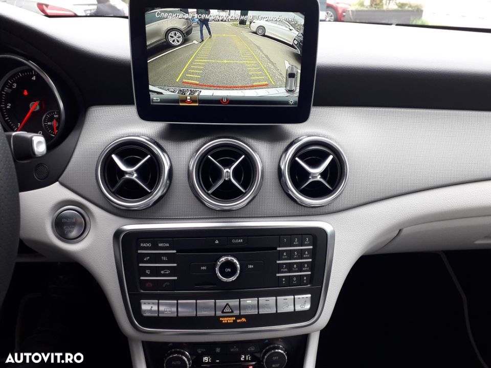 Mercedes-Benz GLA 200 - 13