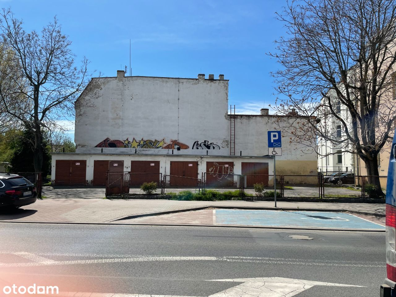 Garaże i miejsca postojowe 3 Maja 3C/ róg św. Roch