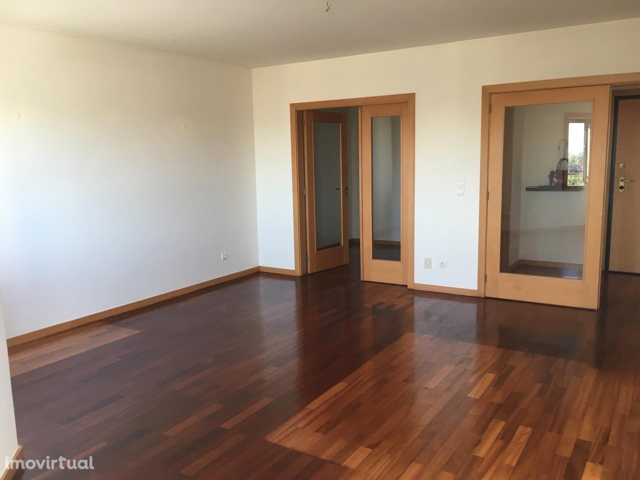 Apartamento T1+1 em Paranhos, Porto