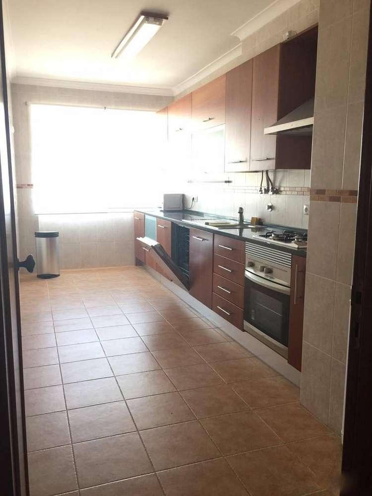 Apartamento para arrendar, Santa Iria de Azoia, São João da Talha e Bobadela, Lisboa - Foto 1
