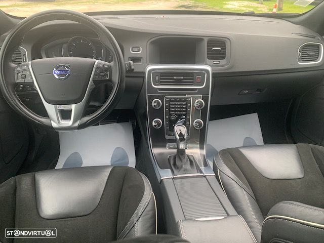 Volvo V60 Cross Country 2.4 d r-design twin engine d6 - 14