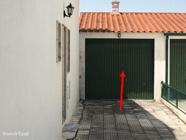 Moradia bi-familiar com garagem em Abrantes