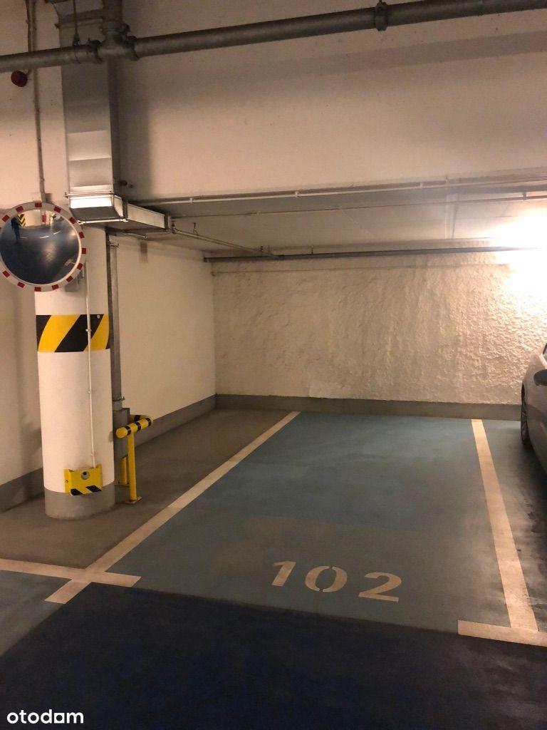 Platinum Towers - miejsce parkingowe