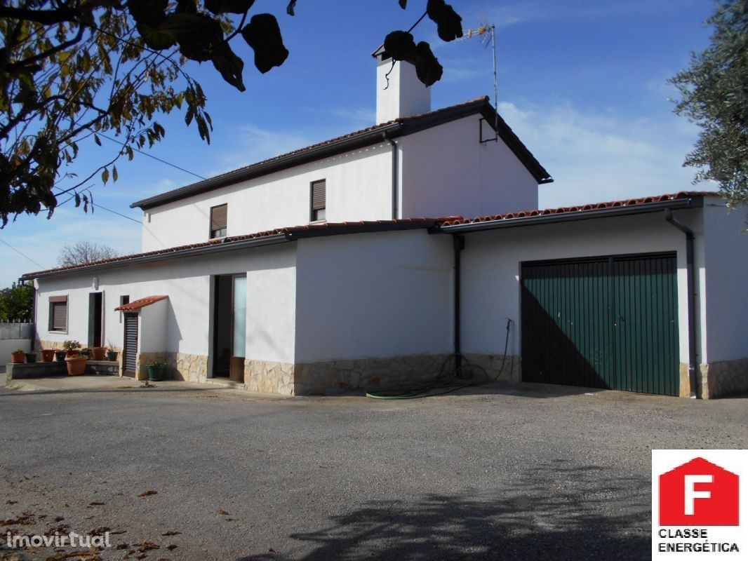 Casa com 3 quartos junto a Santiago da Guarda-Ansião.