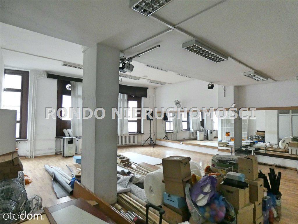 Piętro w budynku biurowo-usługowym-ok. Rynku