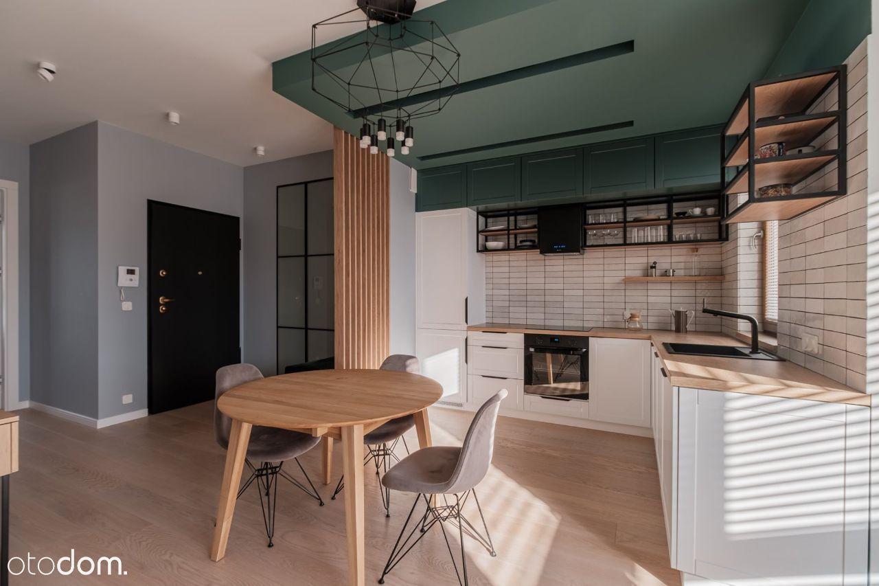 52 m2 na ostatnim piętrze przy ul. Karolkowej