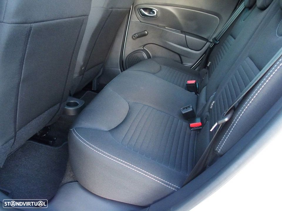 Renault Clio 1.5 Dci LIMITED GPS - 32