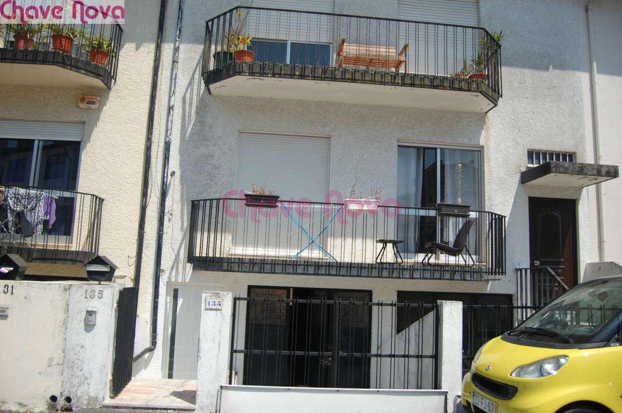Moradia para comprar, Oliveira do Douro, Porto - Foto 1